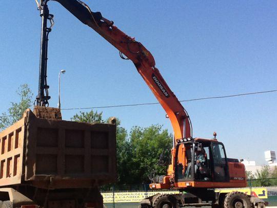 Аренда грейфера на базе колесного экскаватора DOOSAN DX190W в Москве и Московской области