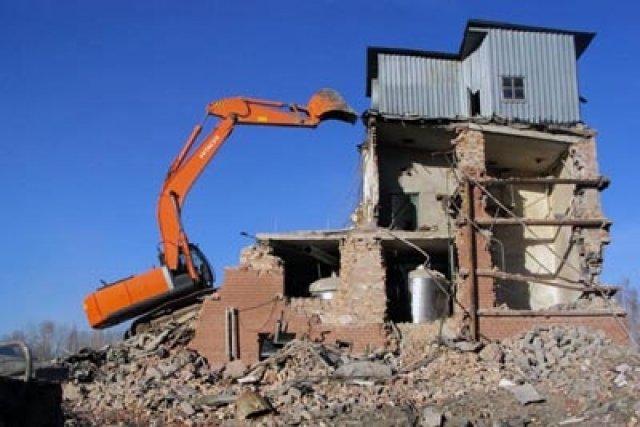 Демонтаж нежелых зданий